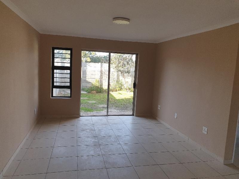 Property For Sale in Oakglen, Bellville 4